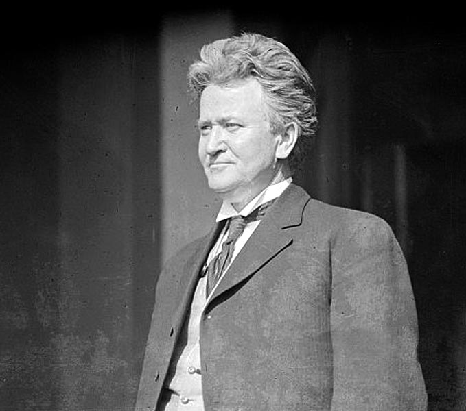 robert lafollete Robert la follette: a featured biography when asked to name the five most illustrious senators in history, a senate committee led by john f kennedy included in that elite group progressive republican robert la follette of wisconsin (1855-1925.