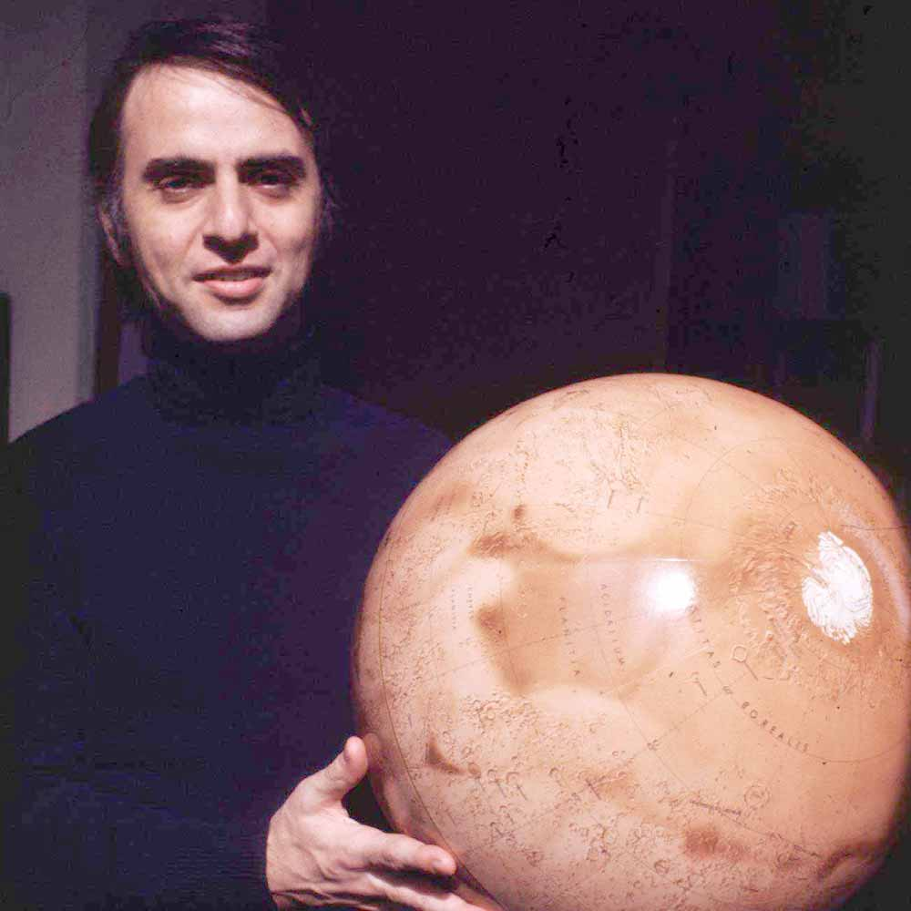 carl sagan Carl sagan's 1980s documentary series introduced a generation to astronomy seth macfarlane took the bold move to help remake a show many said could never be recreated, writes nicola davis.